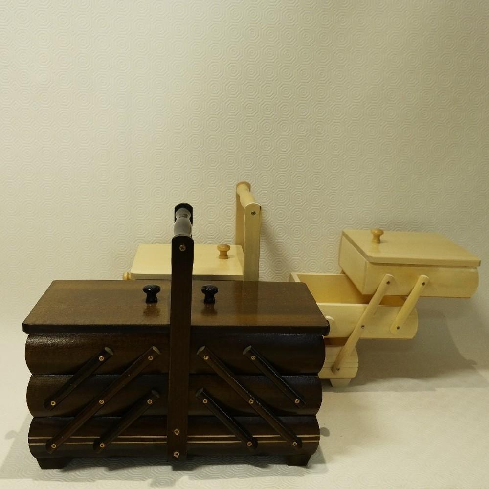 kazeta na šití dřevěná s látkou