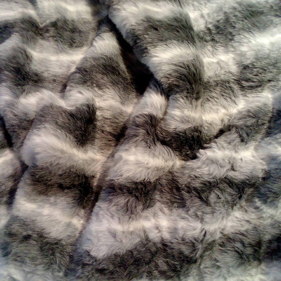 plyš-kožešina šedo-bílý pruh
