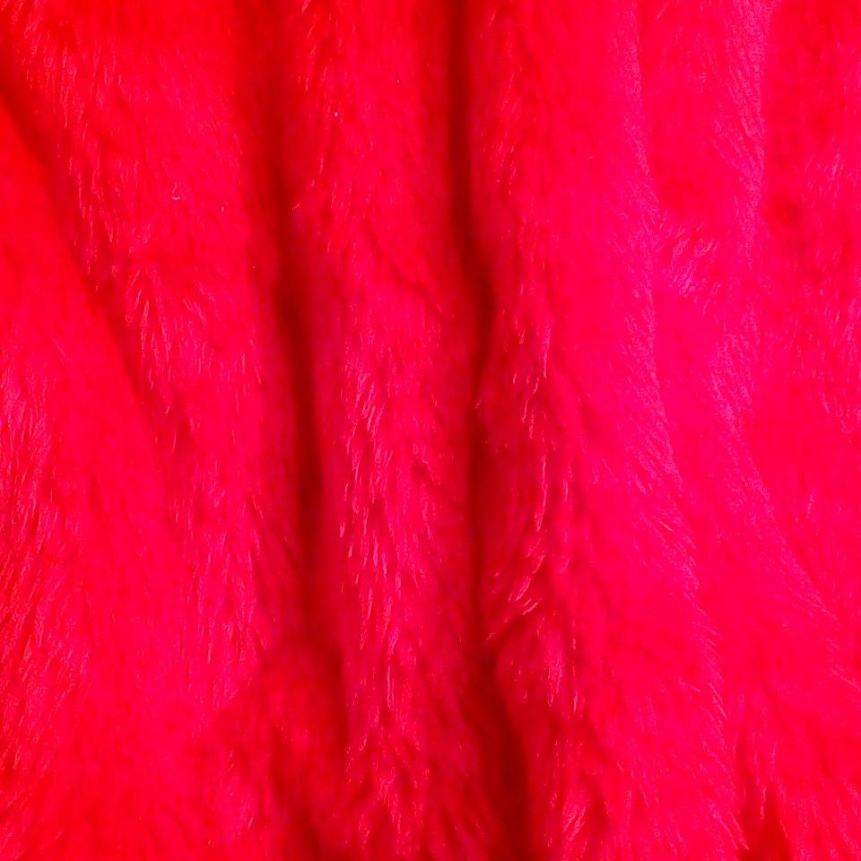 plyš červený likiena