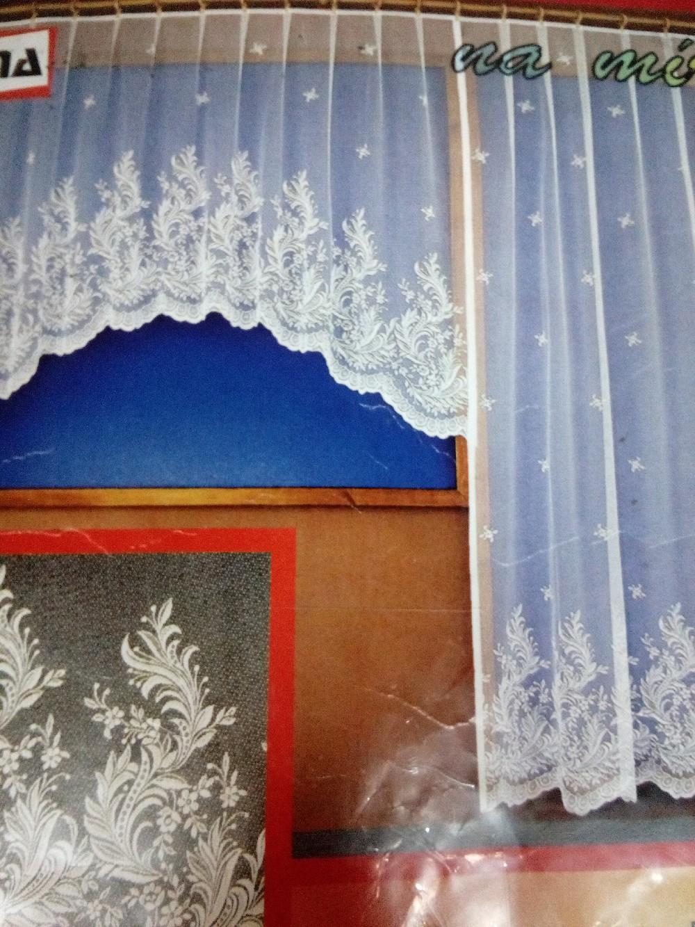 záclona hotová dveře 200x250