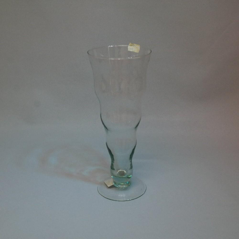 váza sklo vlnky