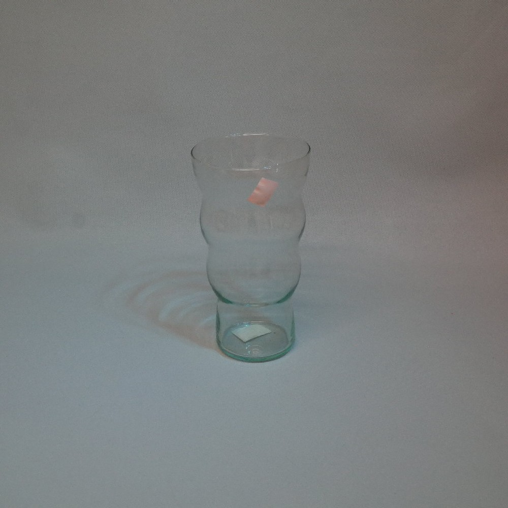 sklo váza tenká vlnky