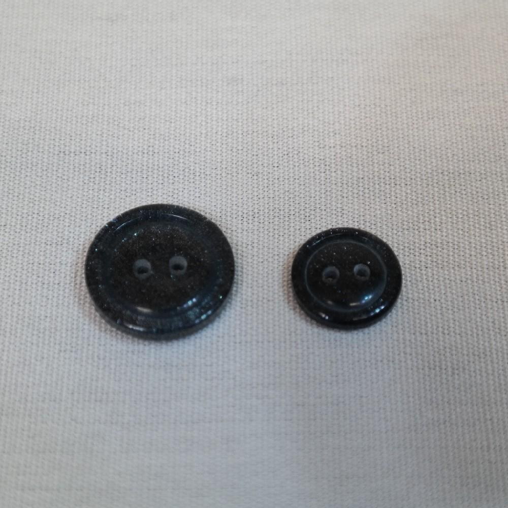 knoflík černý-antracitový