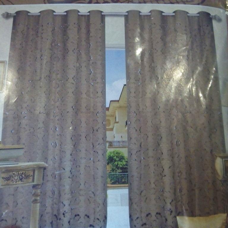 záclona hotová145x250 cm prořezávané červ. květy