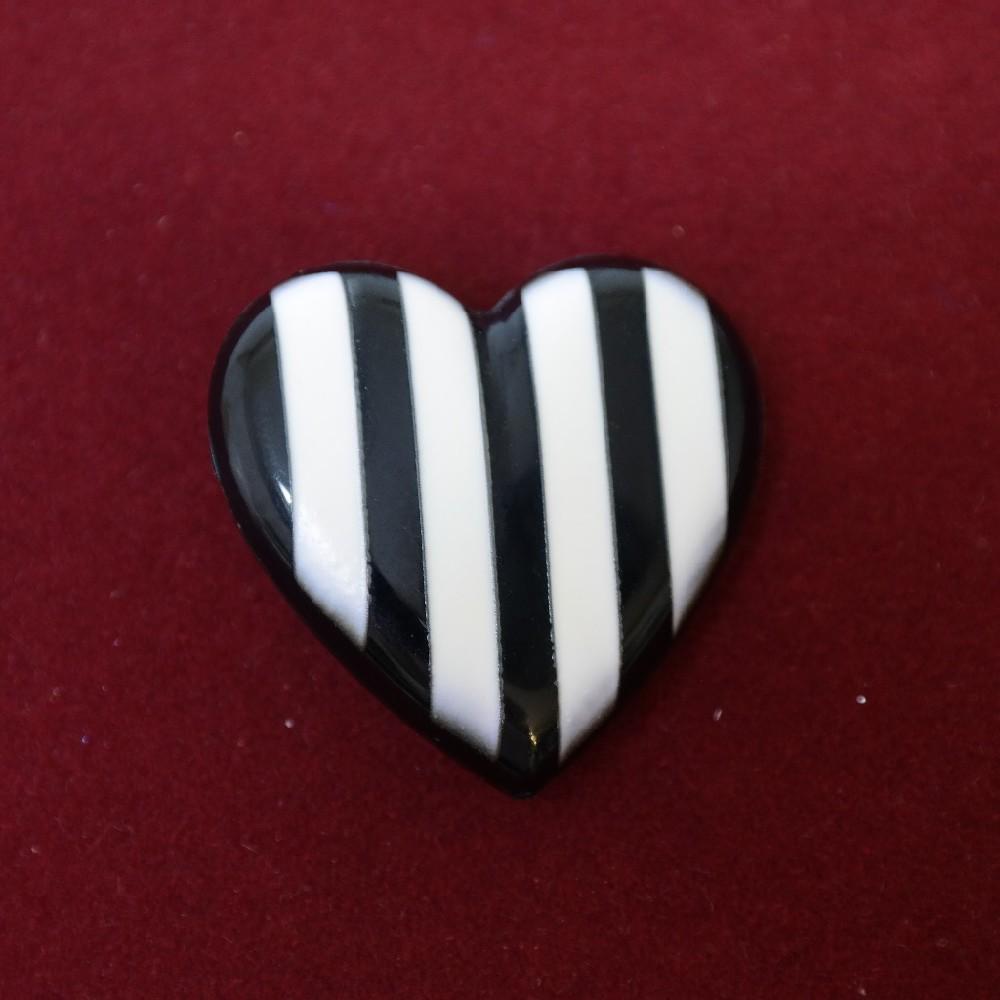 brož srdce černo/bílé