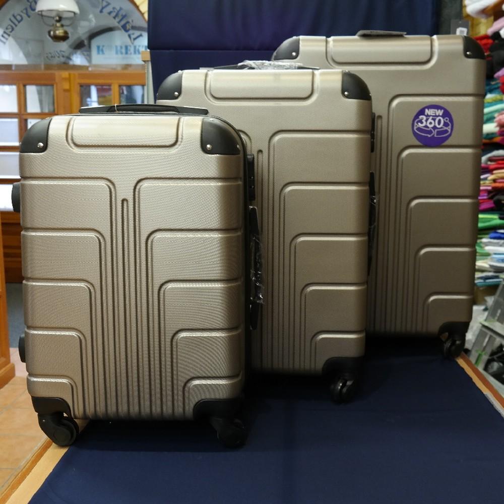 kufr plast střední/4kolečka