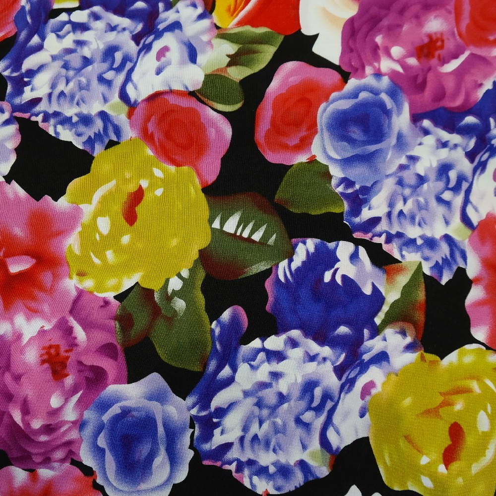 šatovka,černá s bar.květy
