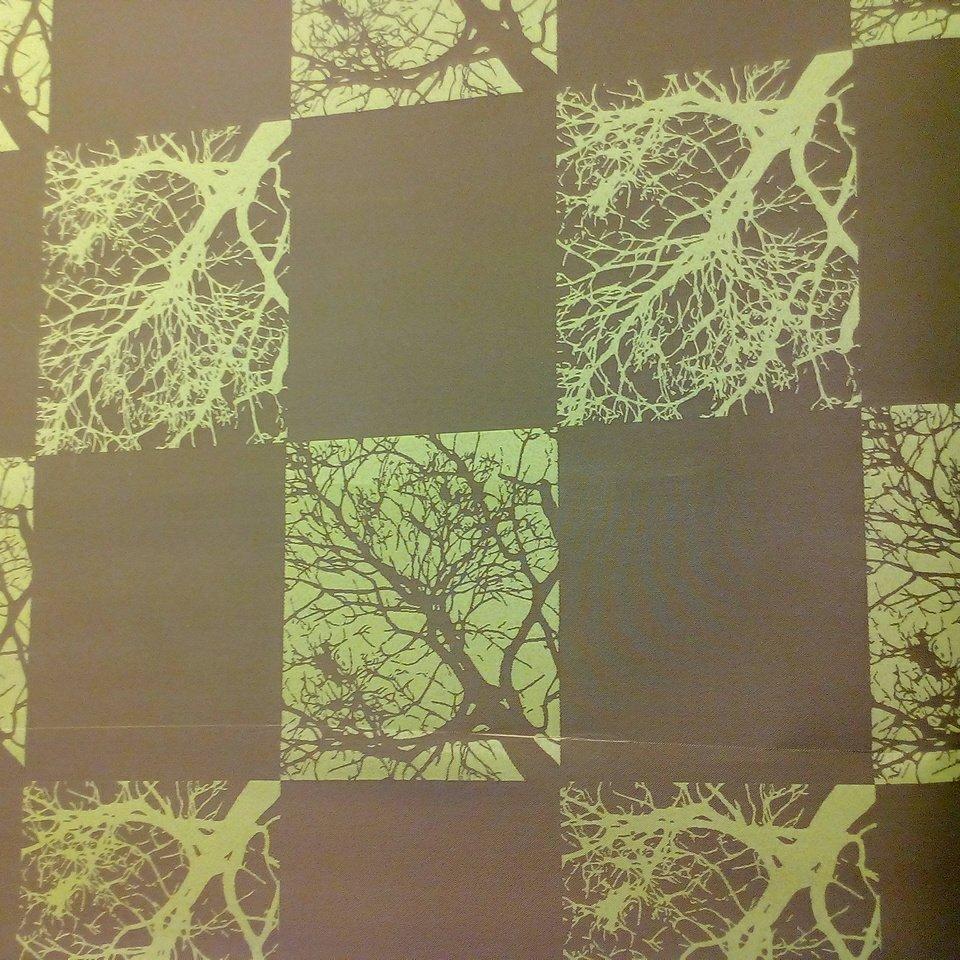 roletovina zel. kostka strom