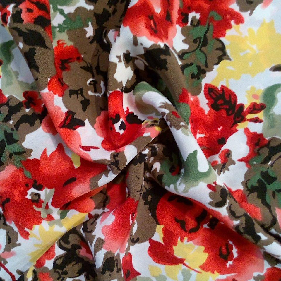 šatovka pestré květy