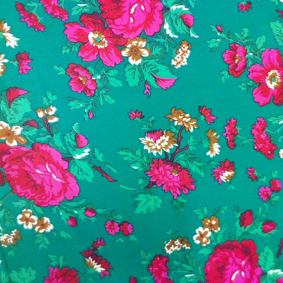 šatovka zelená,růž.květy