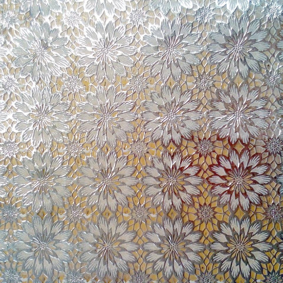 PVC ubrus stříbrné květy