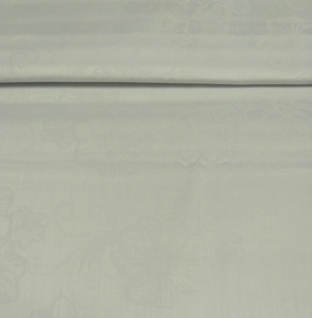 bavlna bílá š.142 Bohema