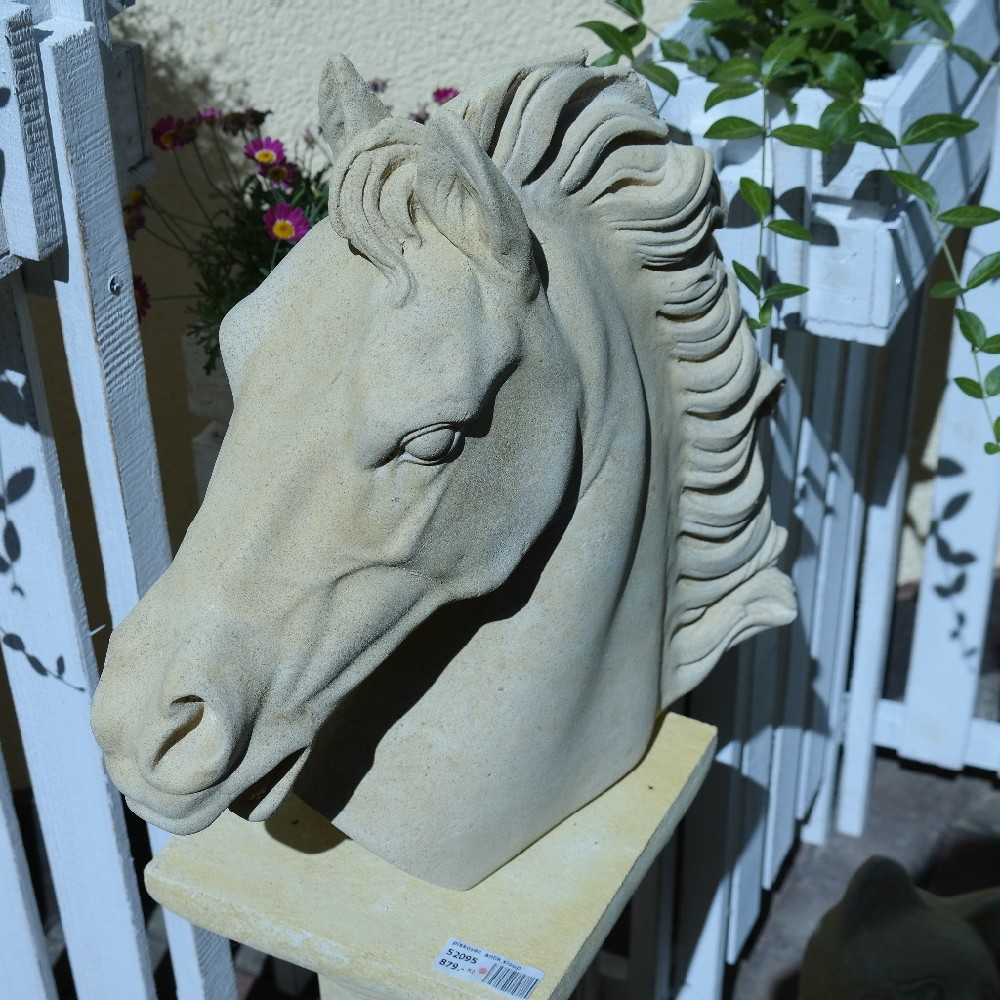 pískovec kůň hlava