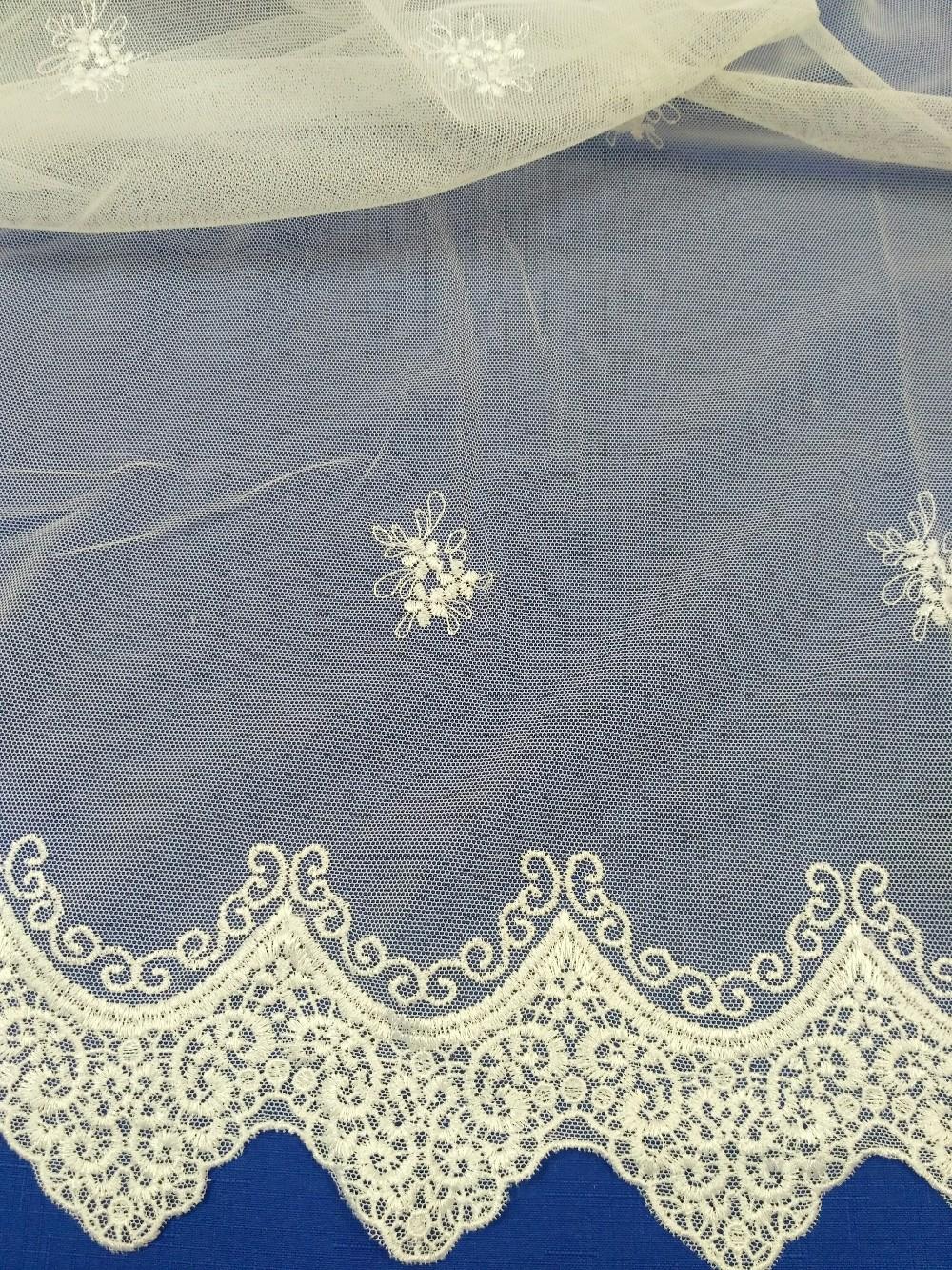 záclona vyšívaná 150 cm