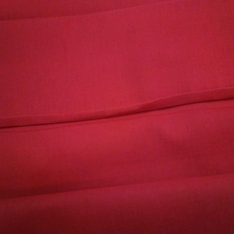 bavlna jednobarevná červená  140 cm