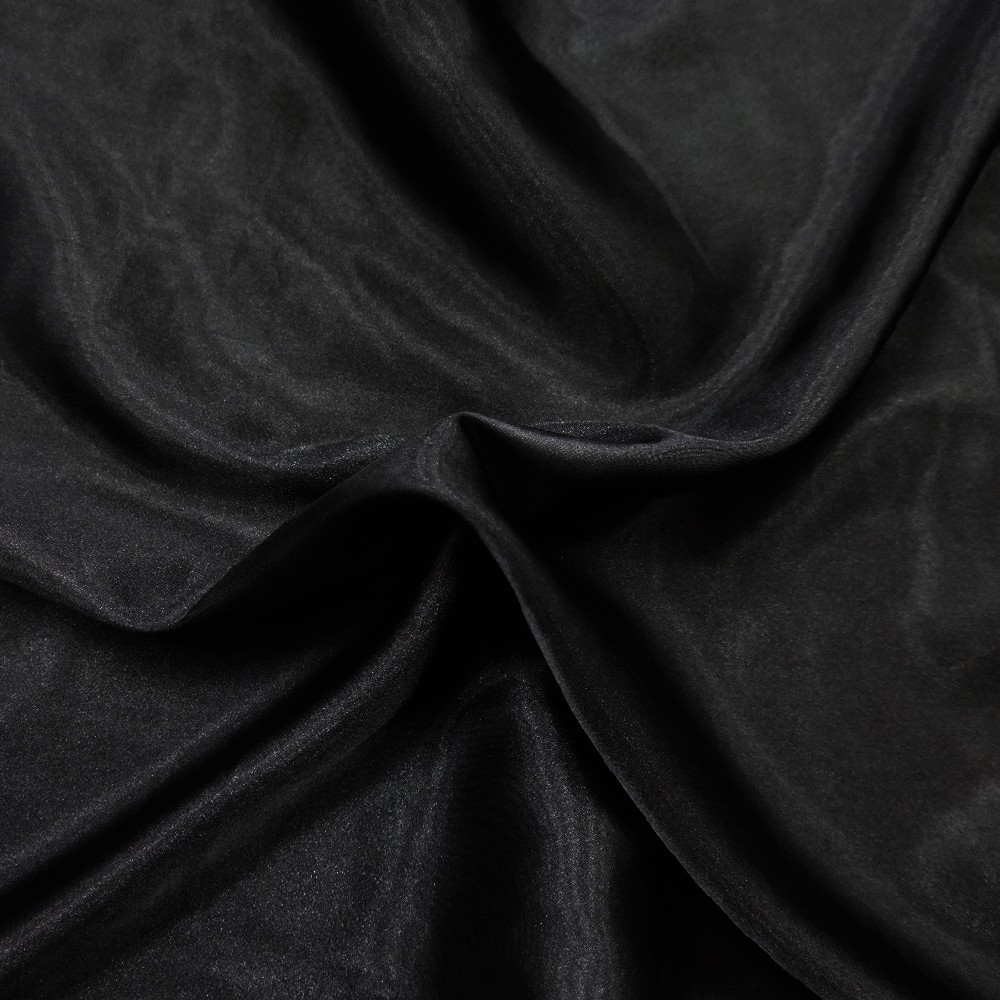 šusták černý,tužší