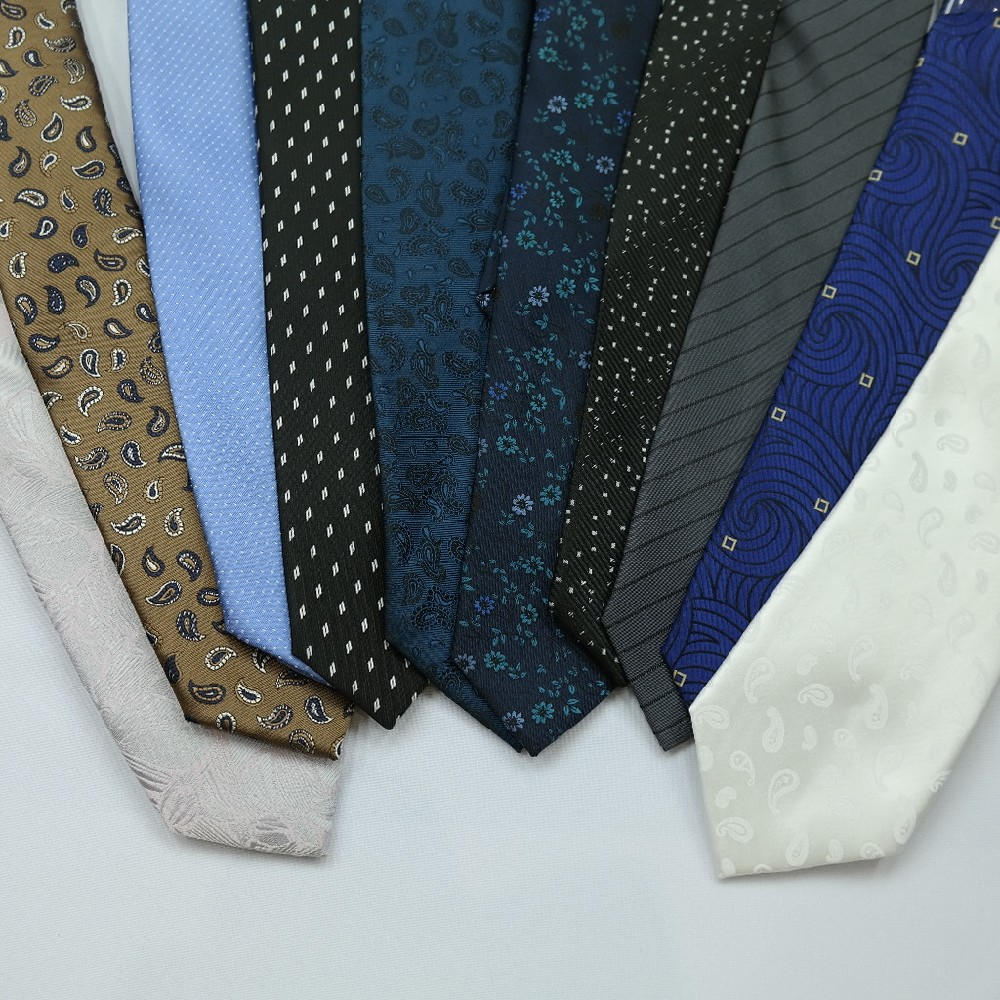 kravata barevná se vzorem