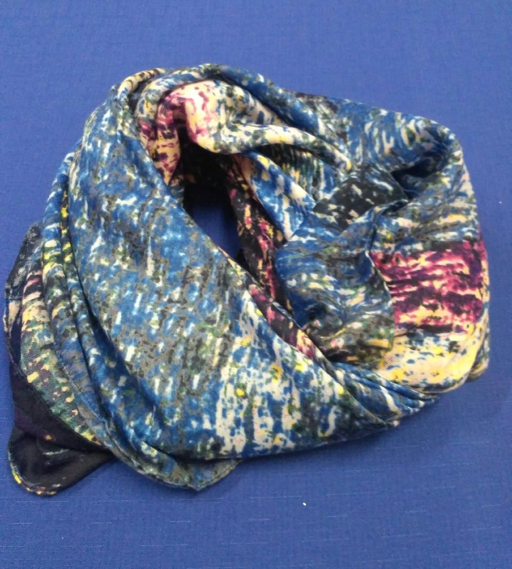 šátek různé barvy