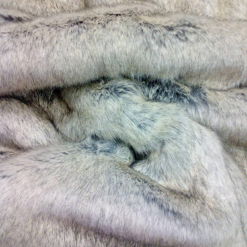 kožešina šedý vlk