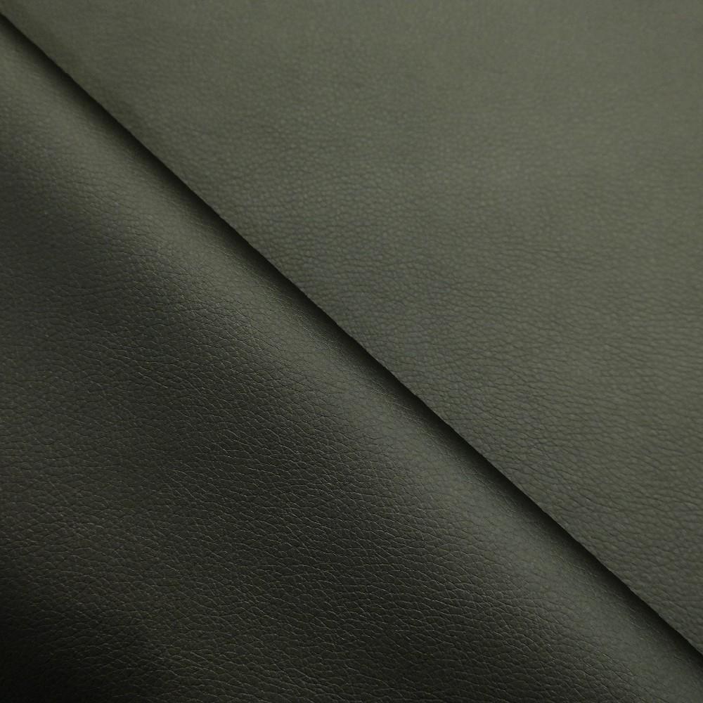 koženka černá kaiman