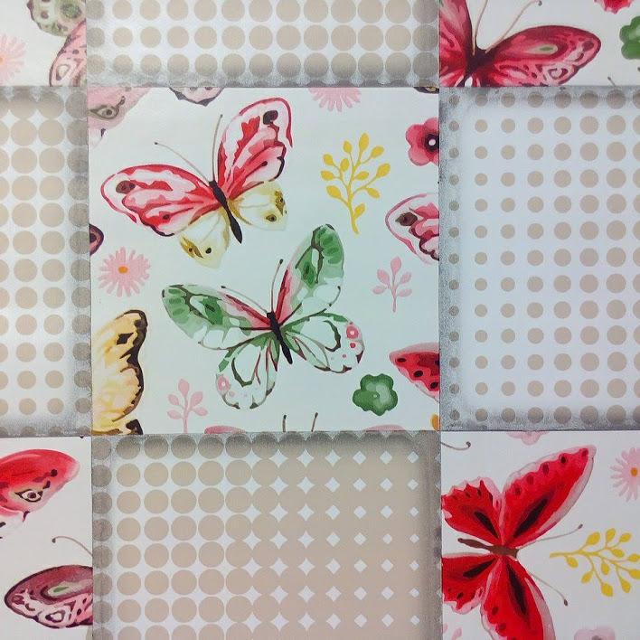 PVC ubrus motýli, puntíky