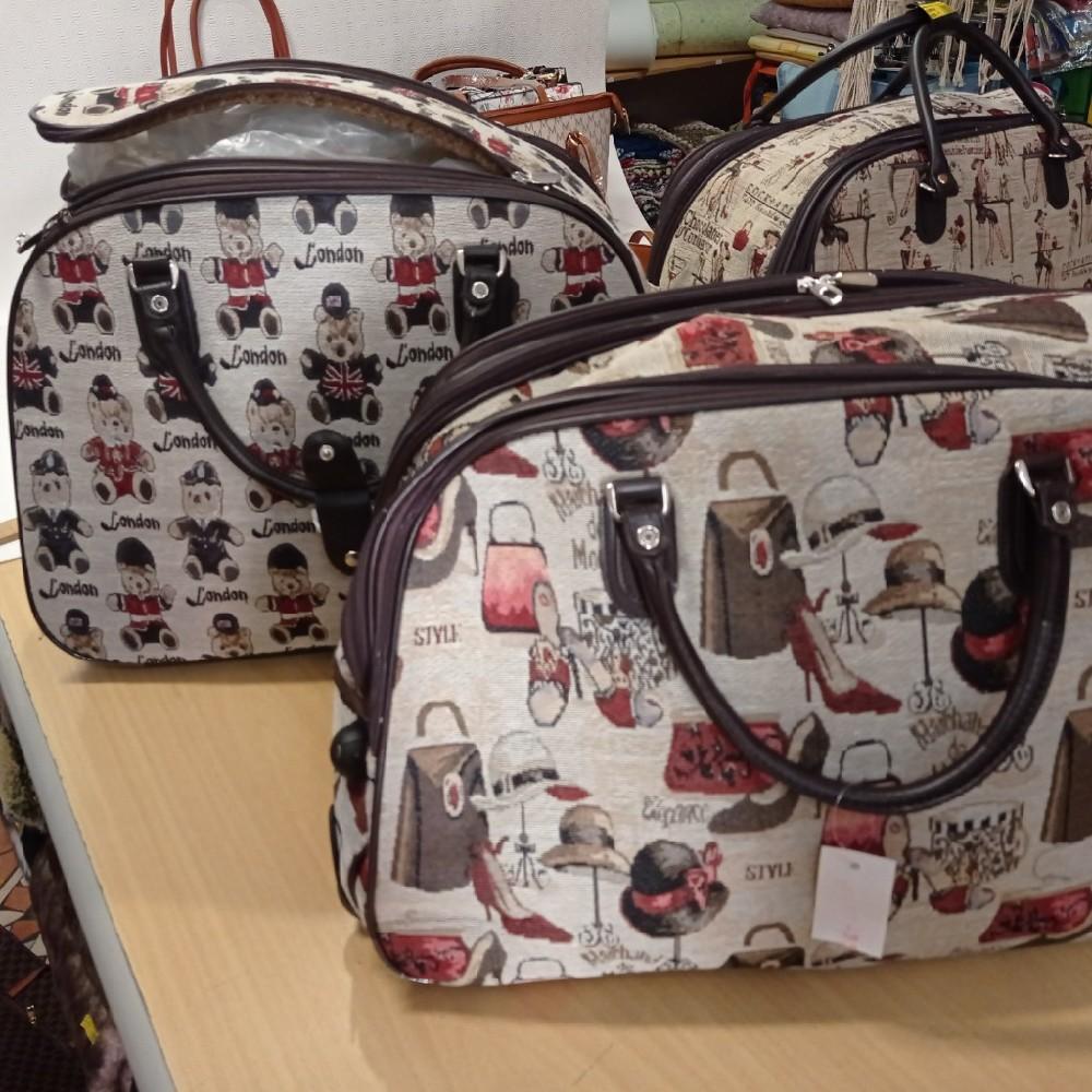 taška cestovní,gobelínová,2kolečka