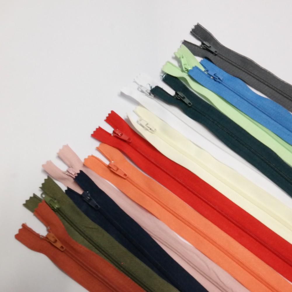 zip šatový/polštář.10-35 cm