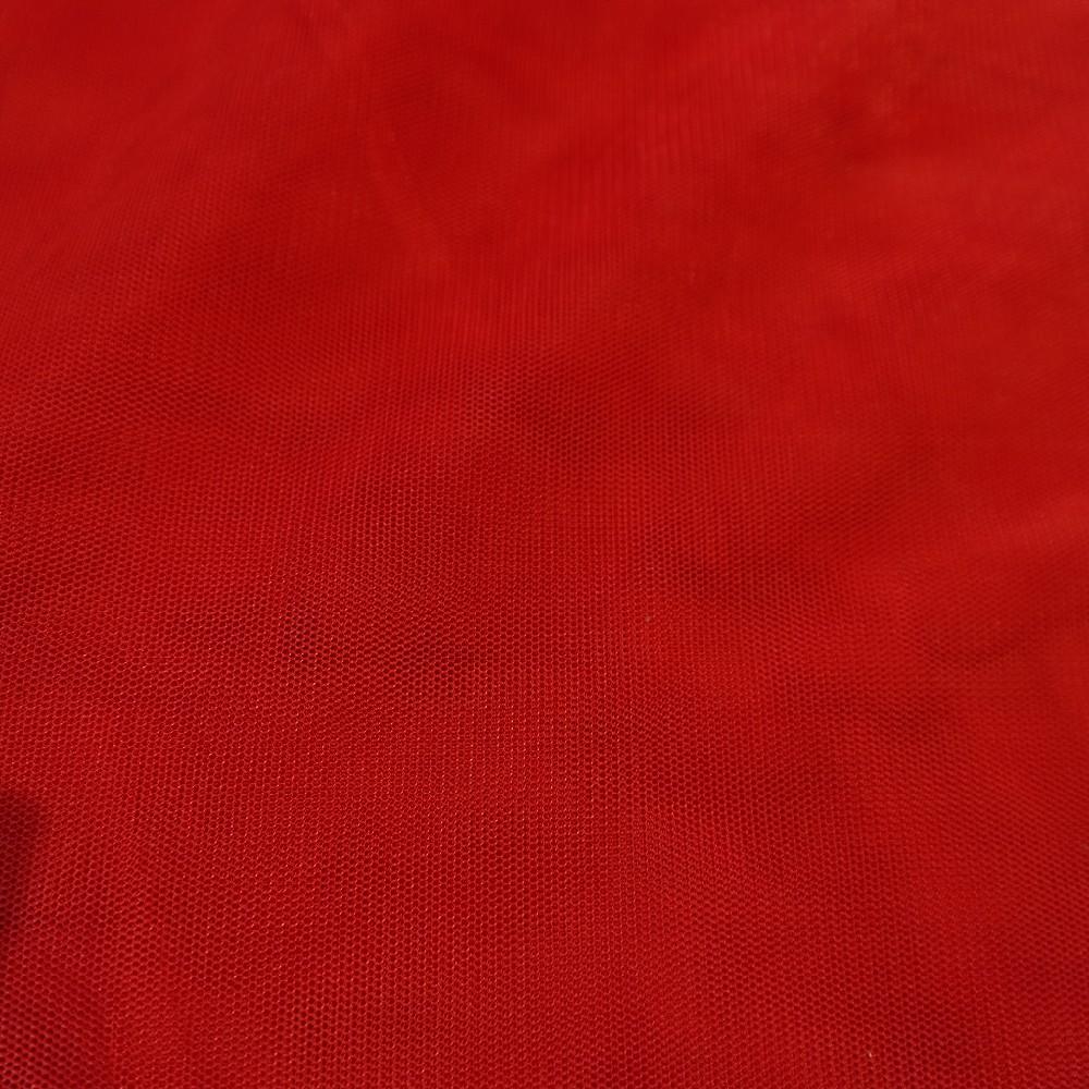 tyl červený