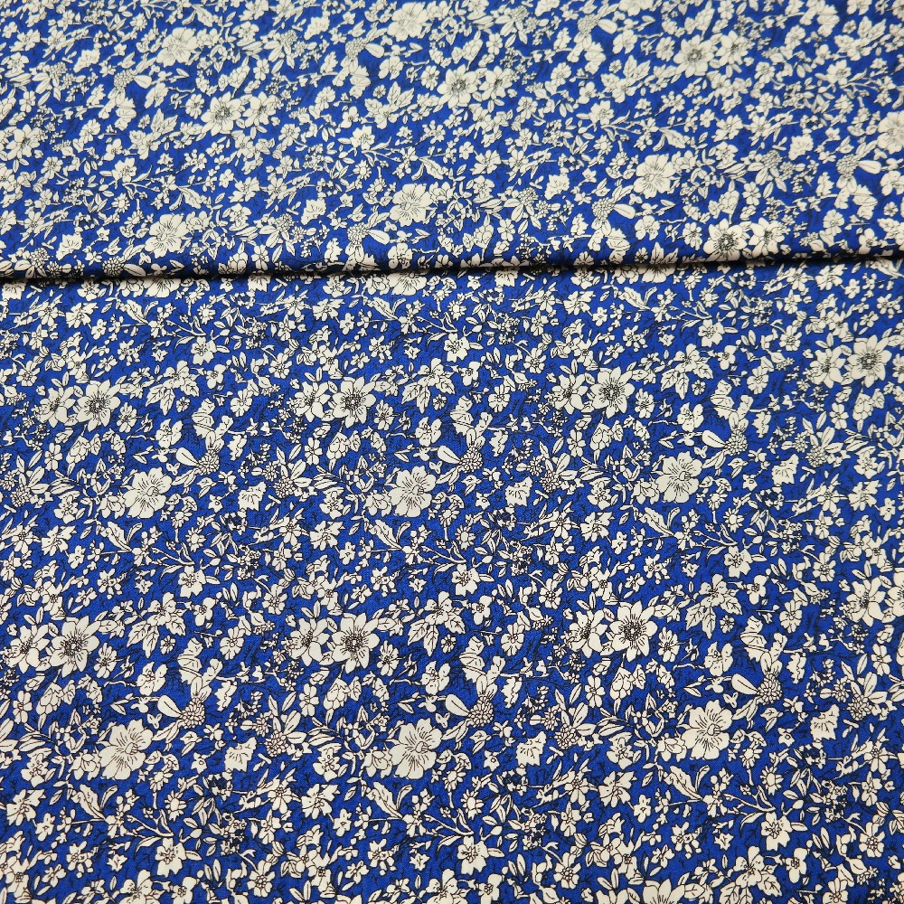 šatovka modrá bílý květ