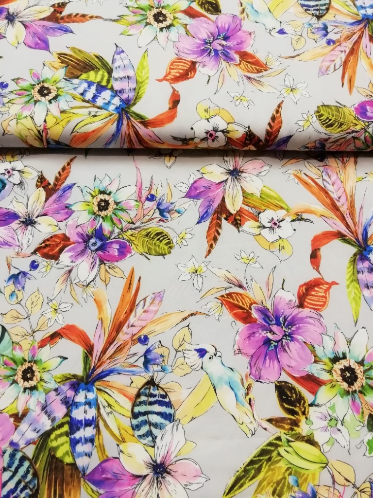 polyester šedý s květy