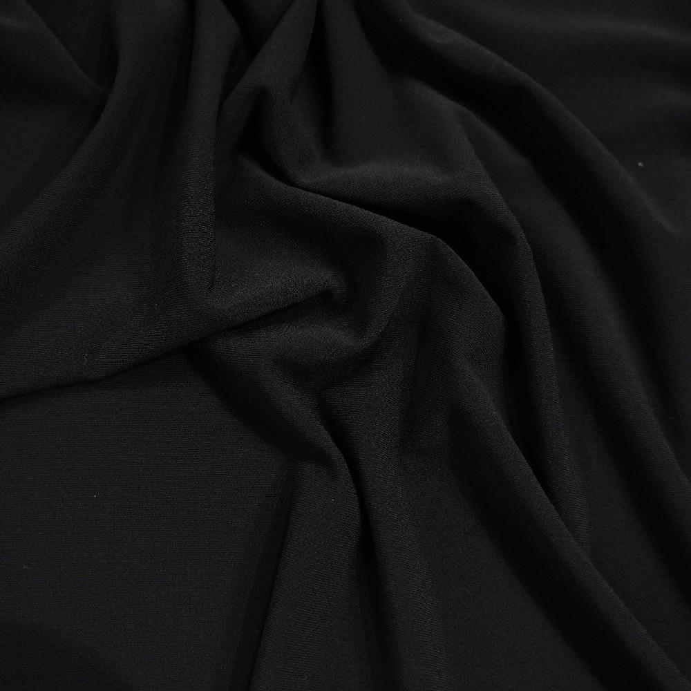 satén černý