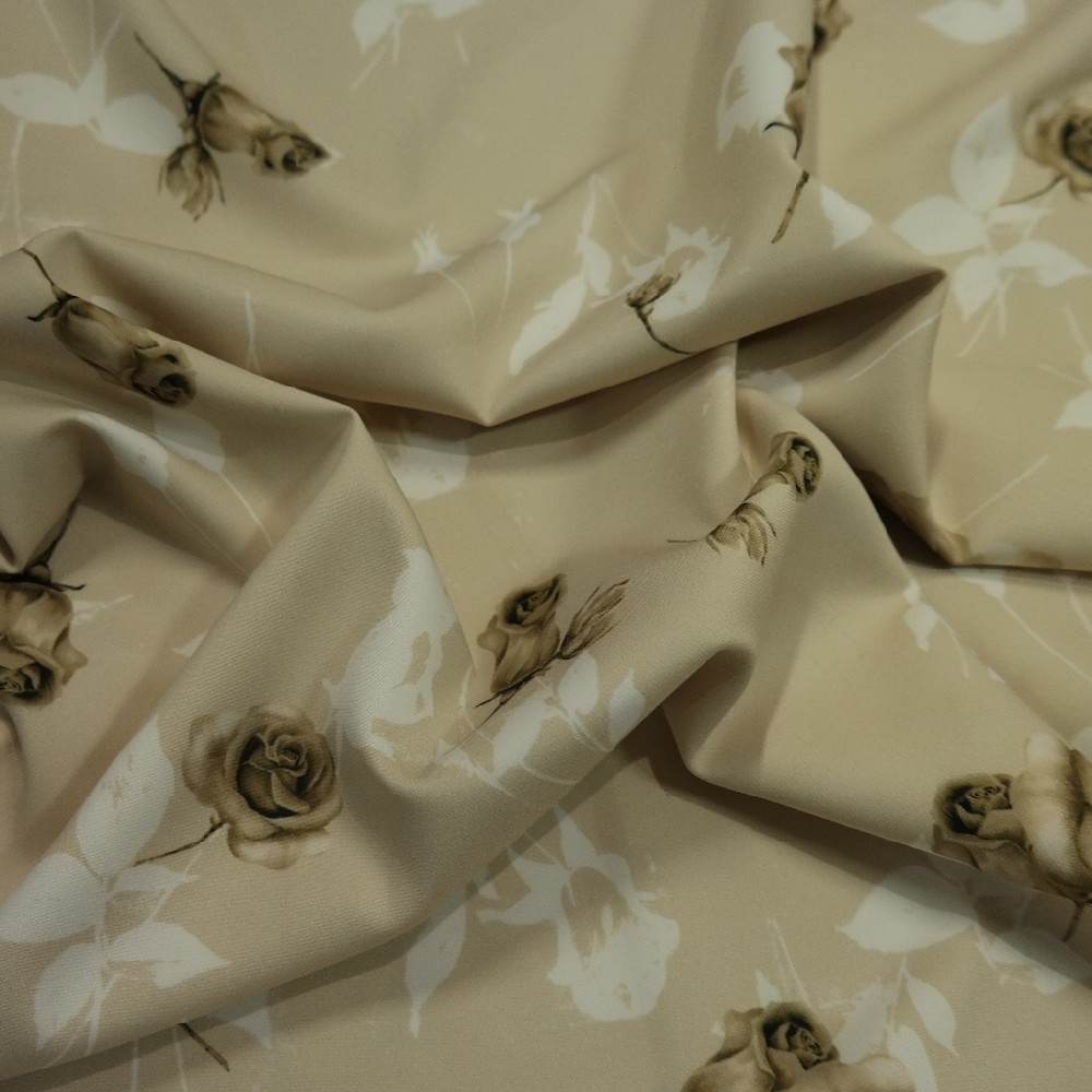 kostýmovka béžová hnědé růže