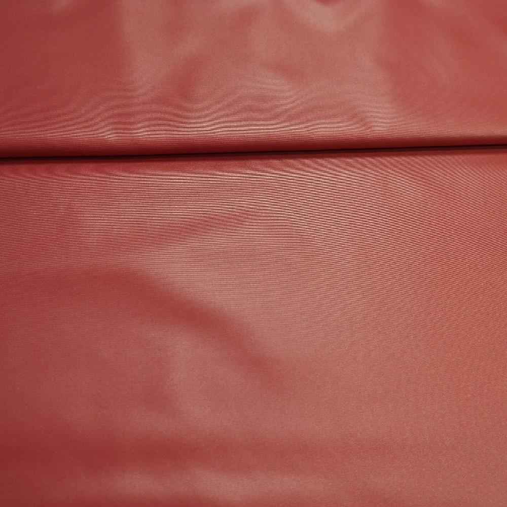 šusťák červený jahodový