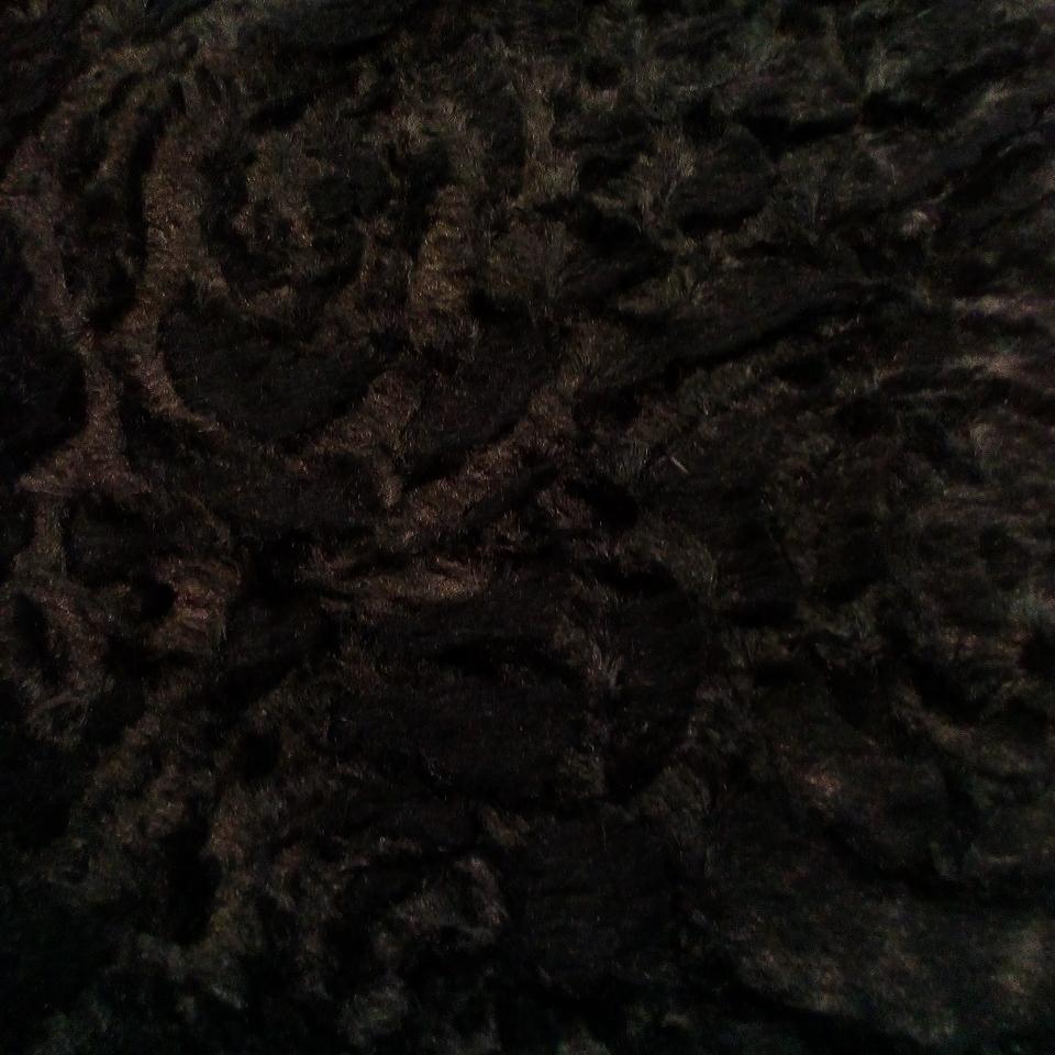 plyš černá š.160