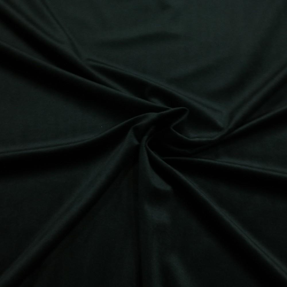 velur černý