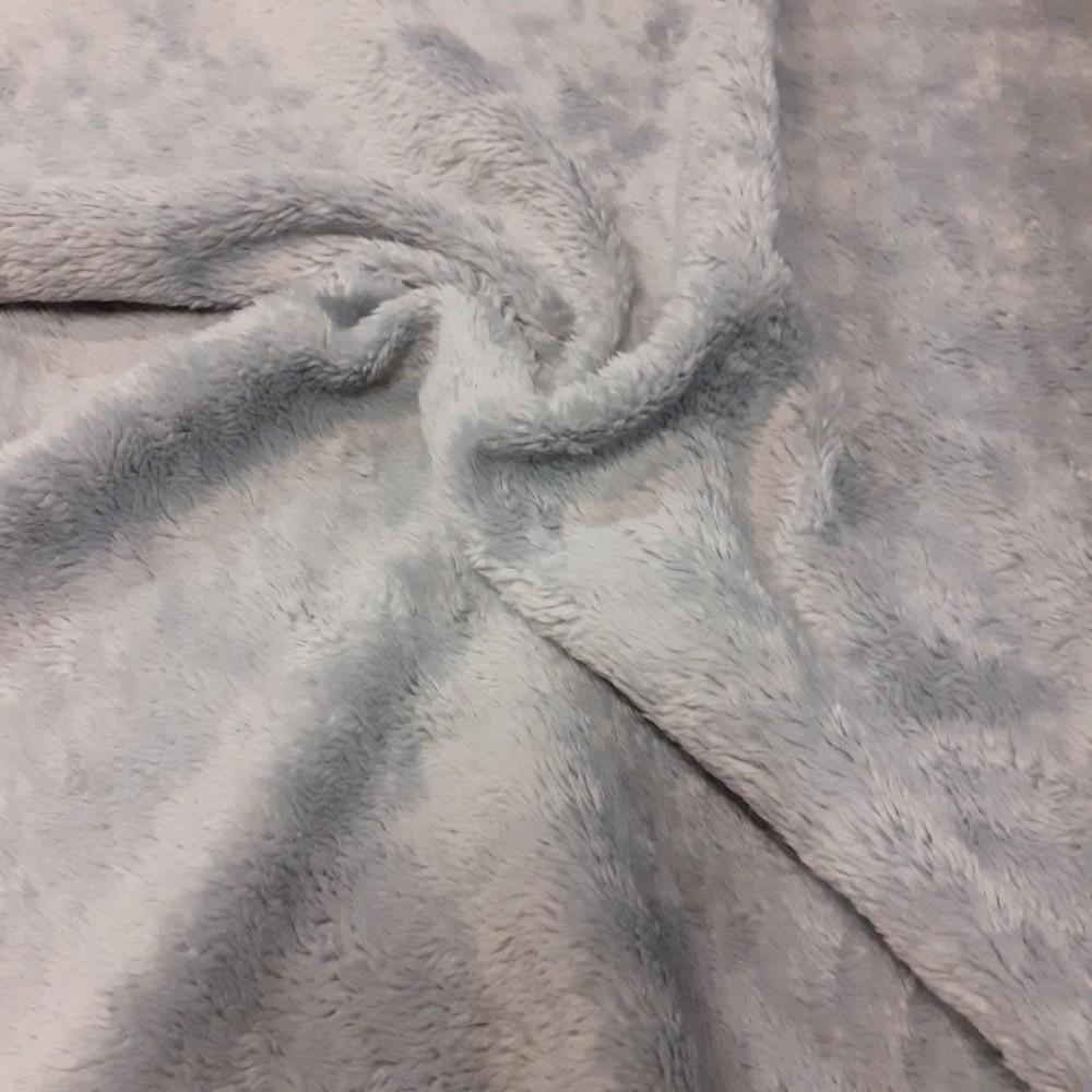 plyš šedý