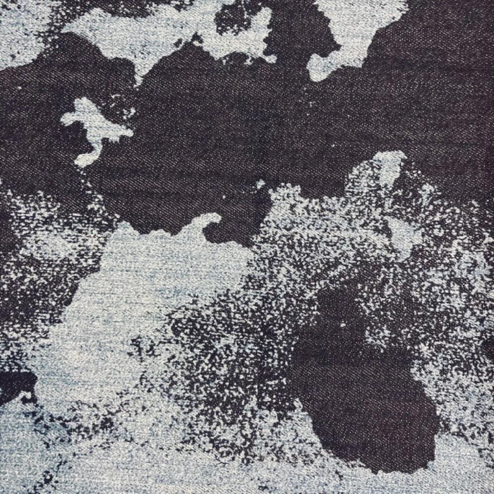 džínovina modro černá