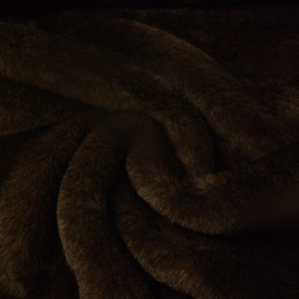 plyš krátký chloupek tmavě hnědý