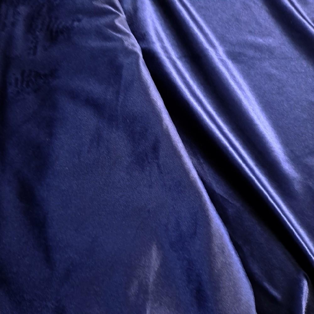 velur modrý