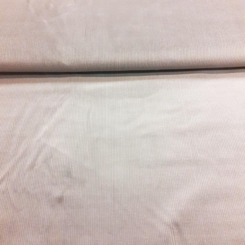 manšestr šedý