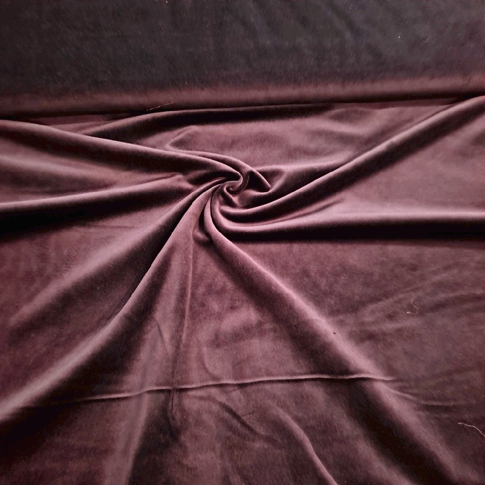 samet fialový středně