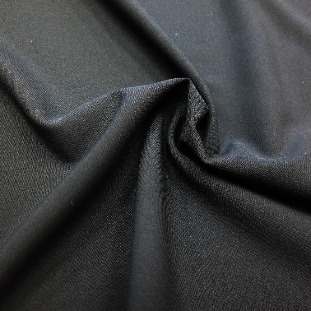 samet černý