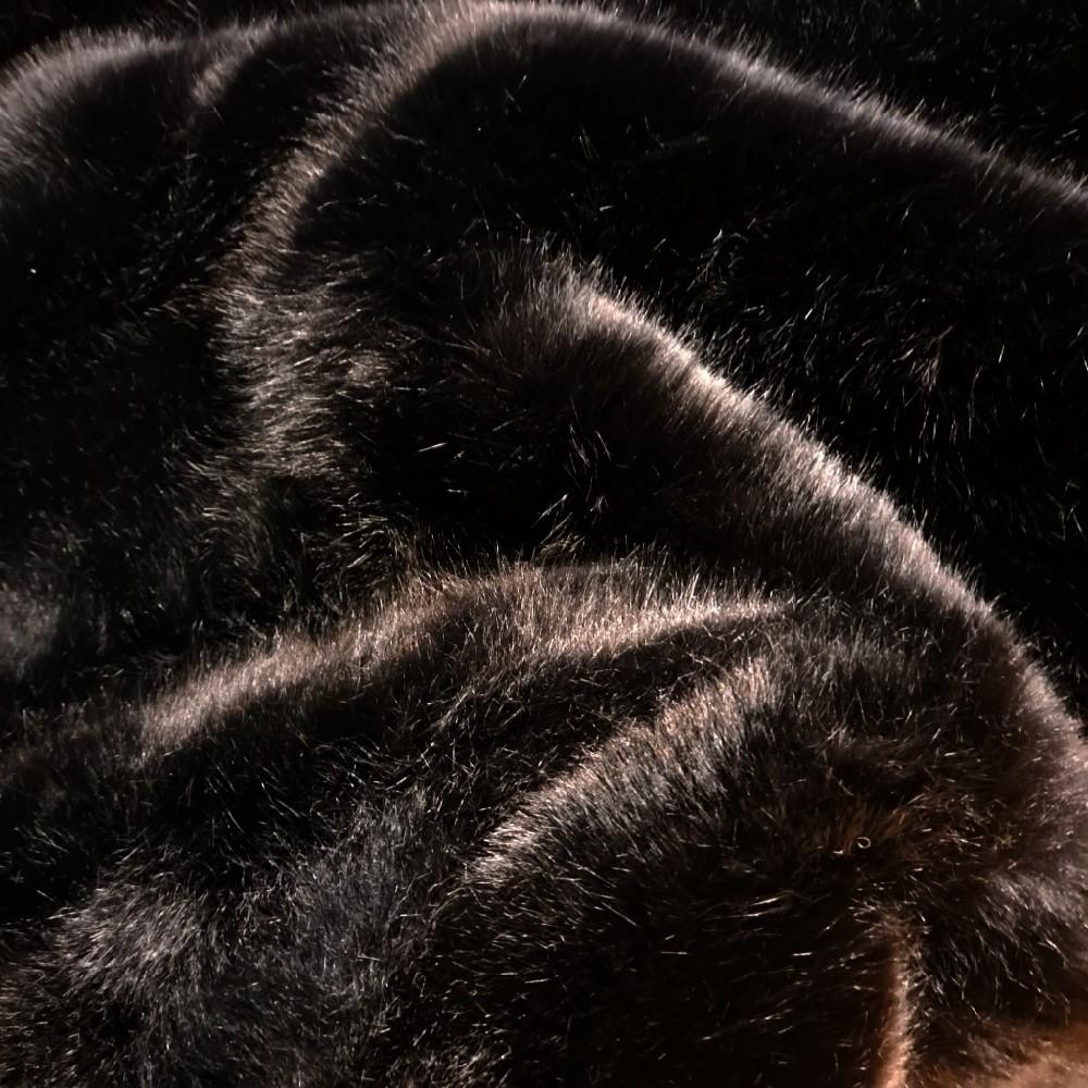 plyš černý 3cm