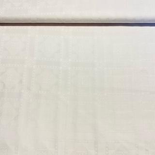 bavlna bílý damašek vyt.kostky š.140