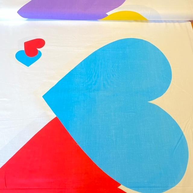 bavlna b/bar srdce 1.jak 140 cm