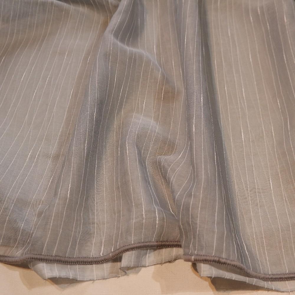 záclona V 2130/1/290v.šedý voál proužek