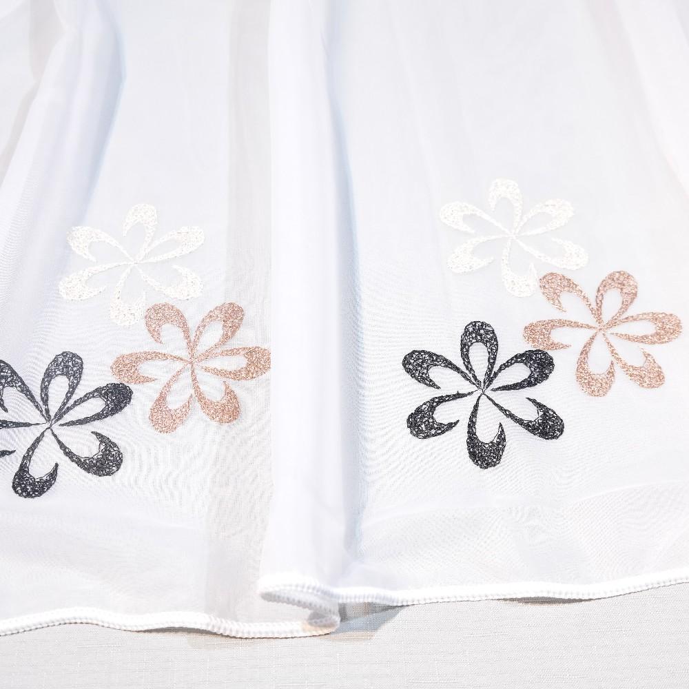 záclona, bílá, hnědo-černé kytičky v.175