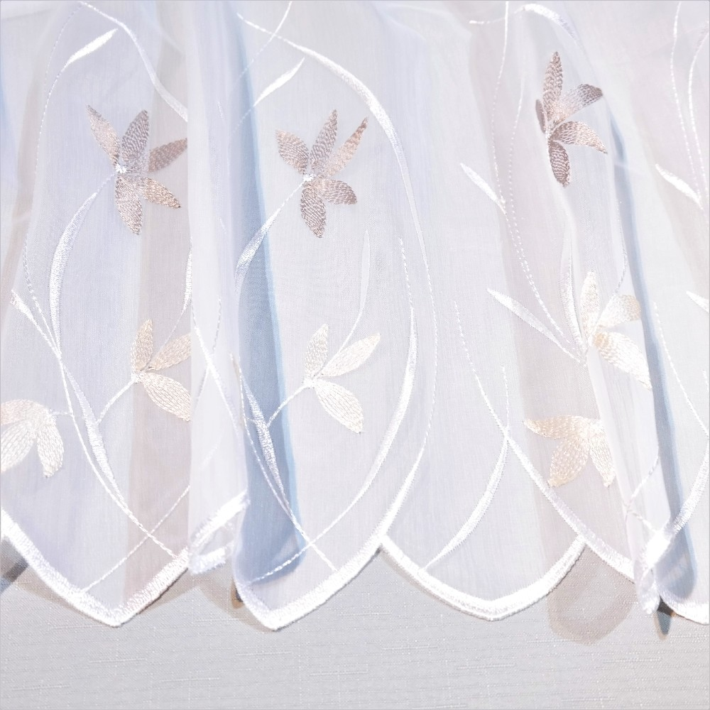 záclona, bílá, hnědo-černé kytičky A 246327 961391/089/175