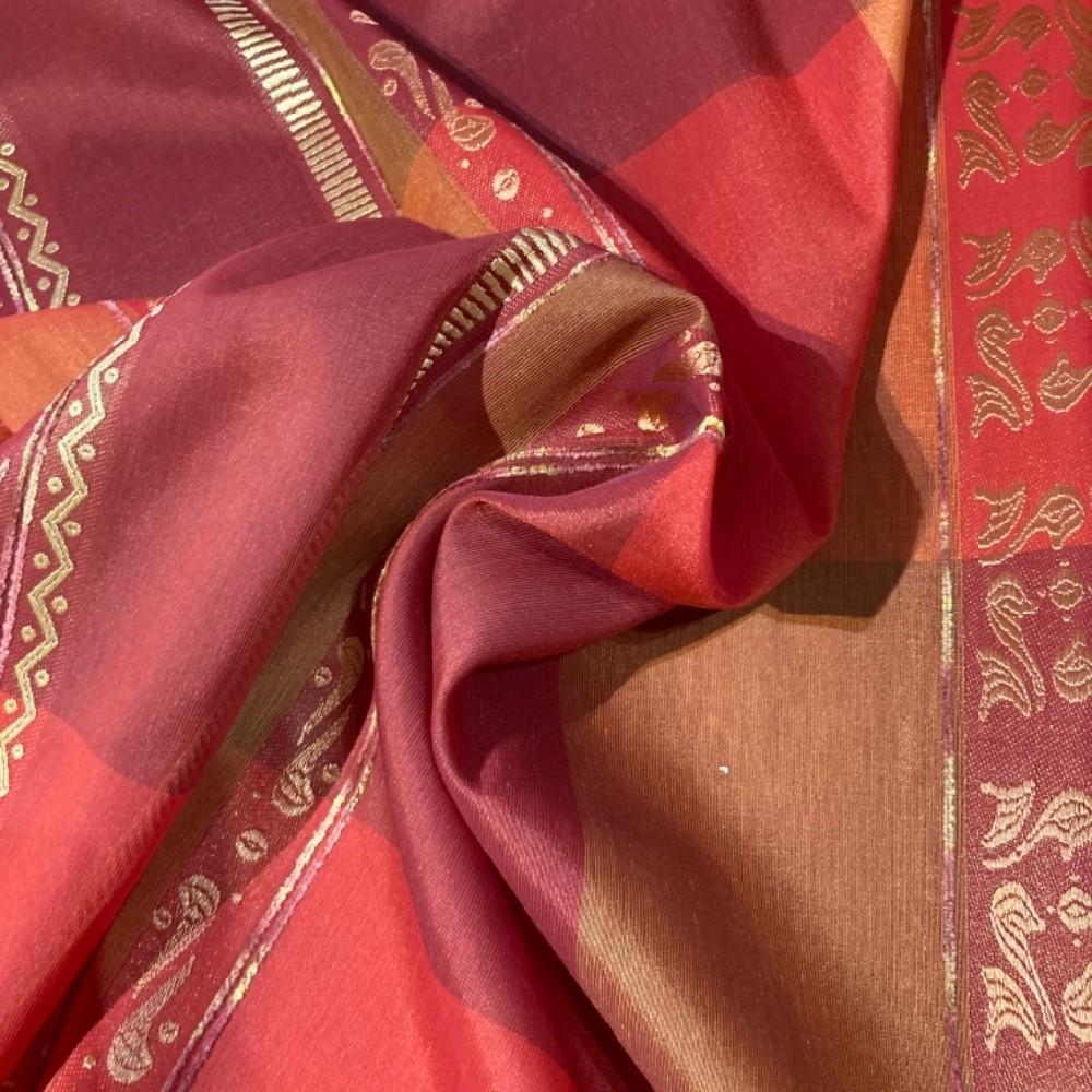záclona š.140 červená
