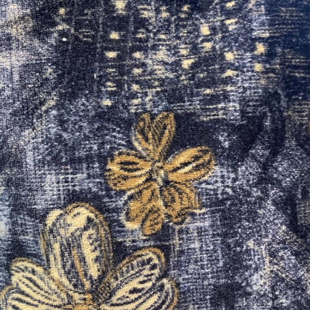 dekoračka plyš tm.modrý s béž.květy